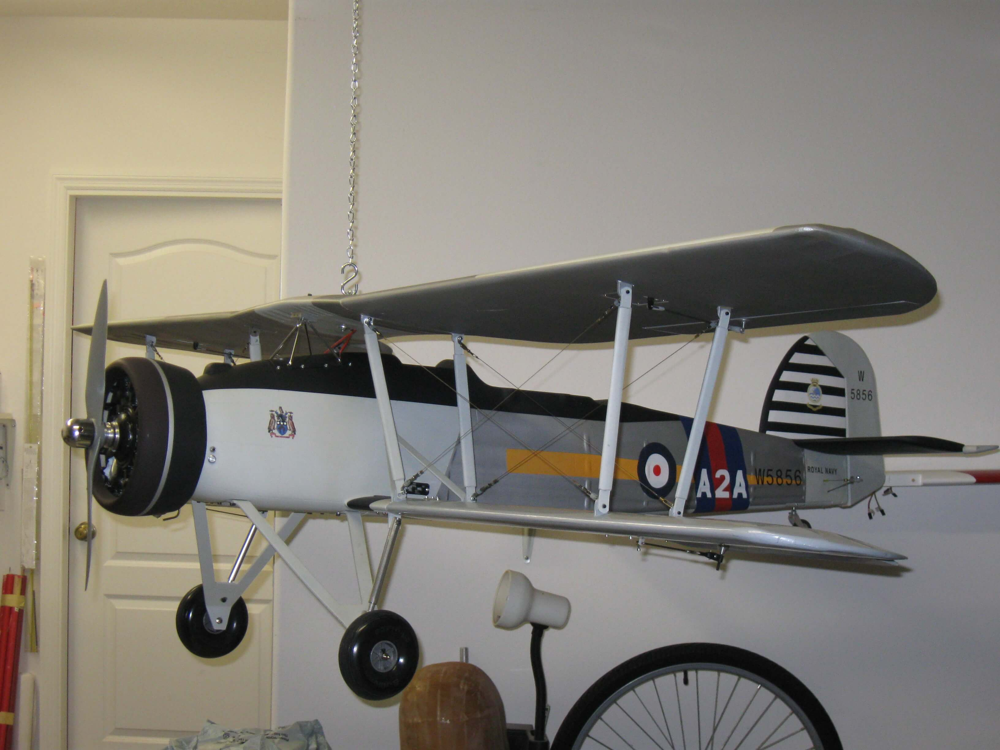 The Arrow Shows Chain Hanging From Ceiling Fuselage Looks Almost Level Maybe A Touch Nose Up I Used Small Along Center