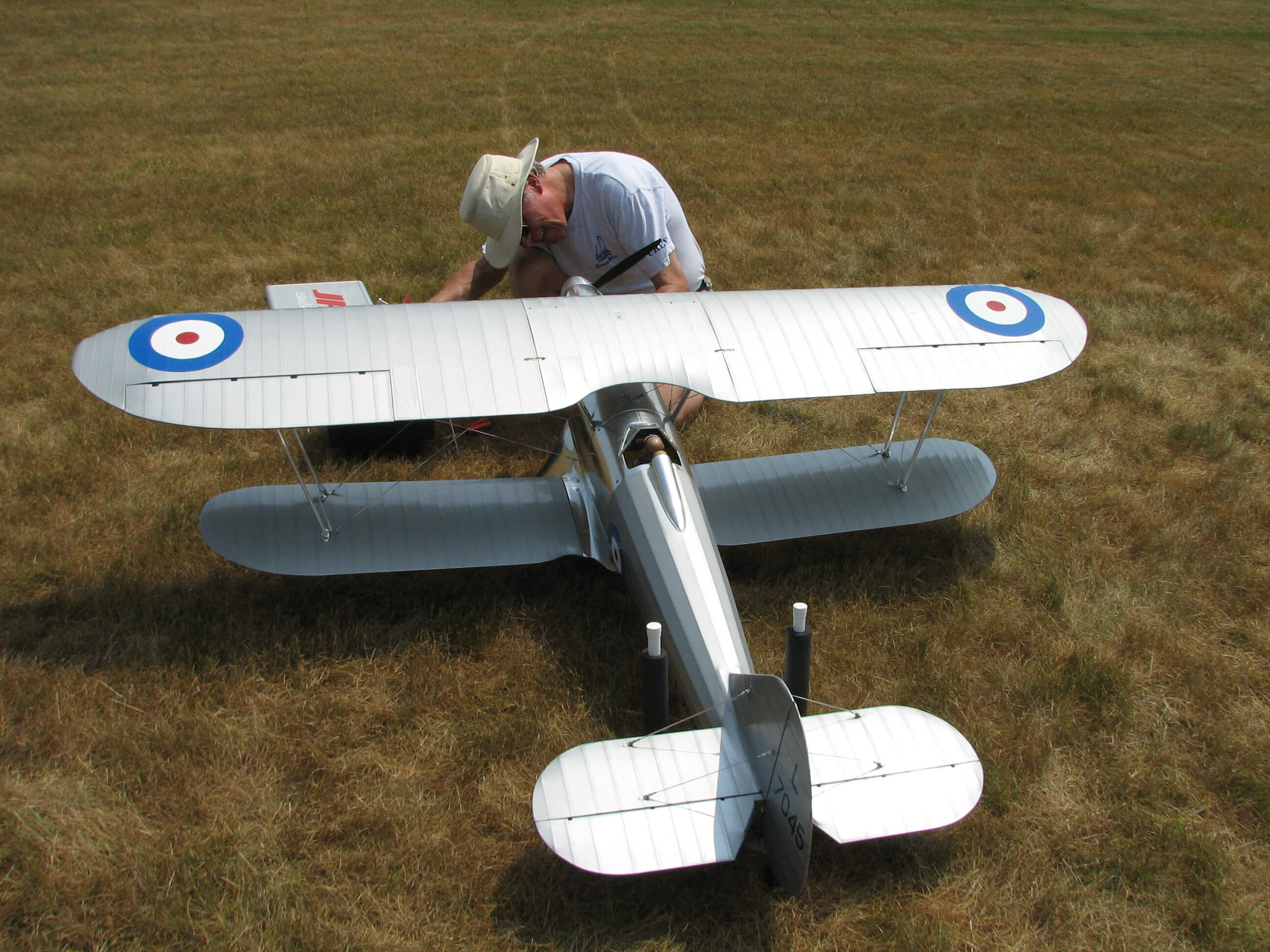 RC model of the Fairey Fantome: 1/5 full size:Statring up.