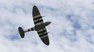 Hangar 9 Spitfire IXC 30cc ARF:Flying Overhead