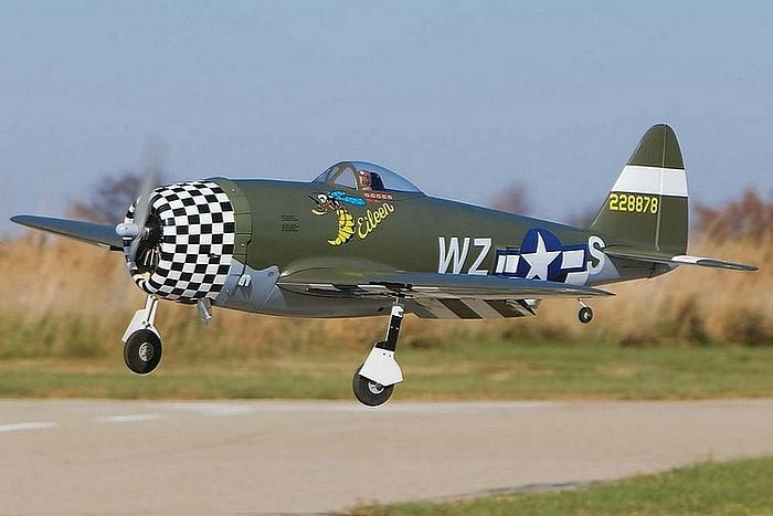 Top Flite P-47 Thunderbolt 60 size ARF landing