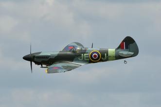Phoenix Models Spitfire 50-61cc:Fyling by.