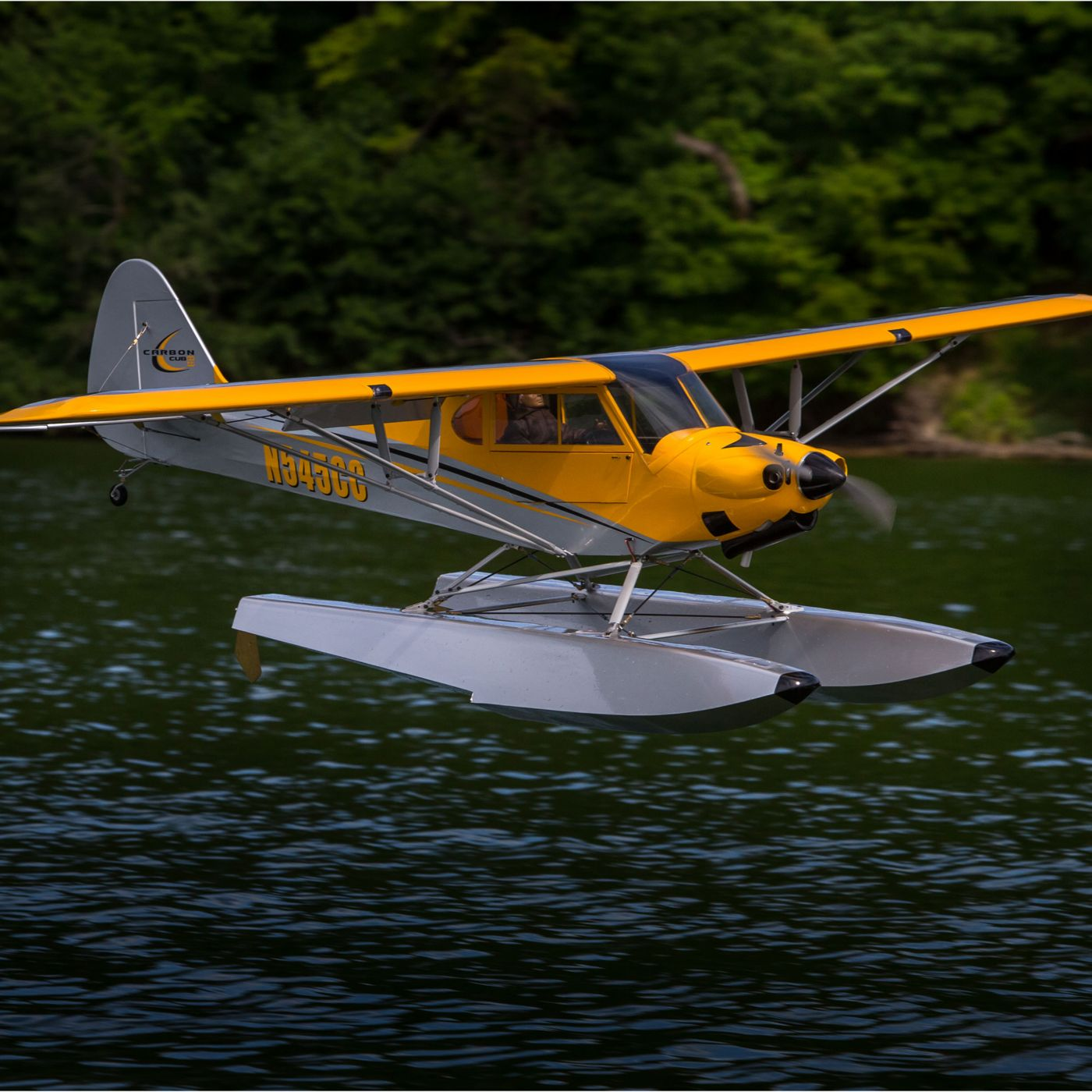 Hangar 9 Carbon Cub RC Airplane with floats