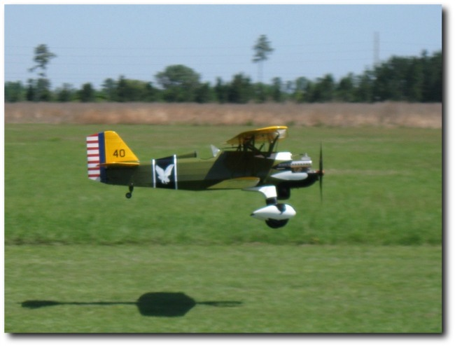 Curtiss P-6E Hawk: 1/4 scale RC model landing
