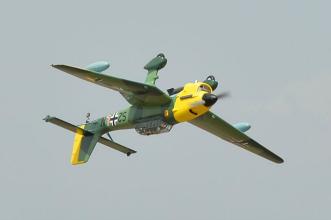 Phoenix Models RC Stuka:Flying inverted