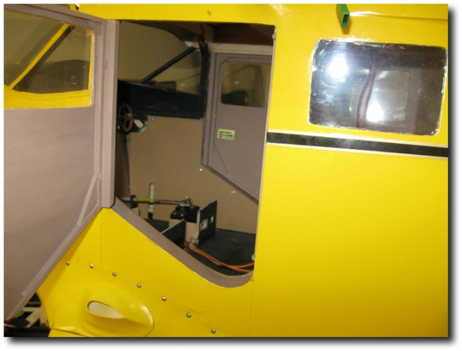 Top Flite Reliant door